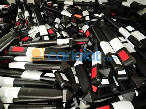 Delineator Plastik (patok jalan)