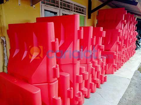 water barrier plastik