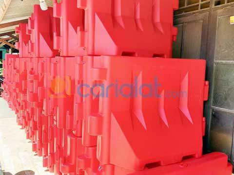 road barrier plastik